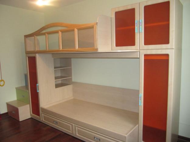 Двухъярусная кровать для мальчиков со шкафом своими руками