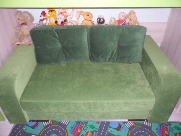 Детский диван зеленого цвета