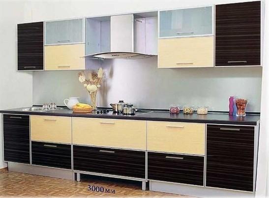 Двухцветный кухонный гарнитур