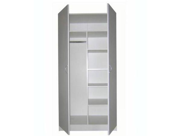Двустворчатый шкаф для одежды