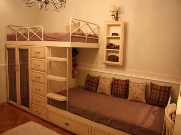 Кровать двухъярусная из ДСП