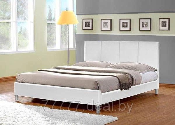 Кровать двуспальная из экокожи