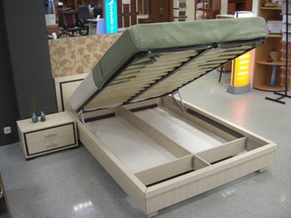 Кровать с нишей