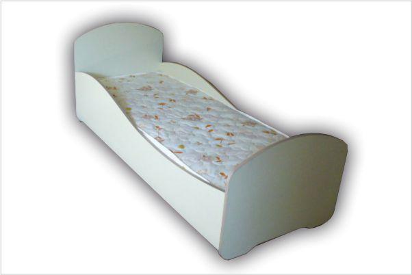 Кроватка детская бежевая с матрасом