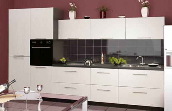 Кухня белая линейная