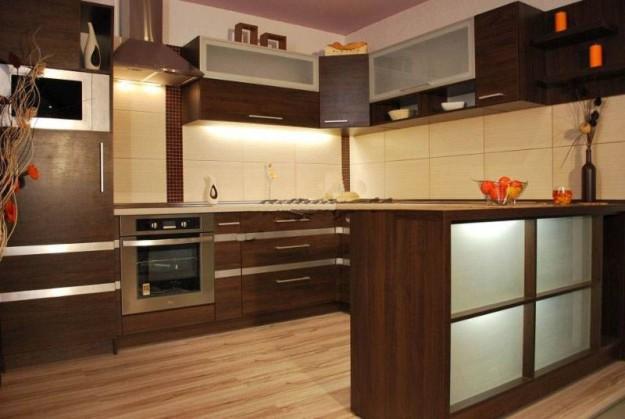 Кухня большая П-образная