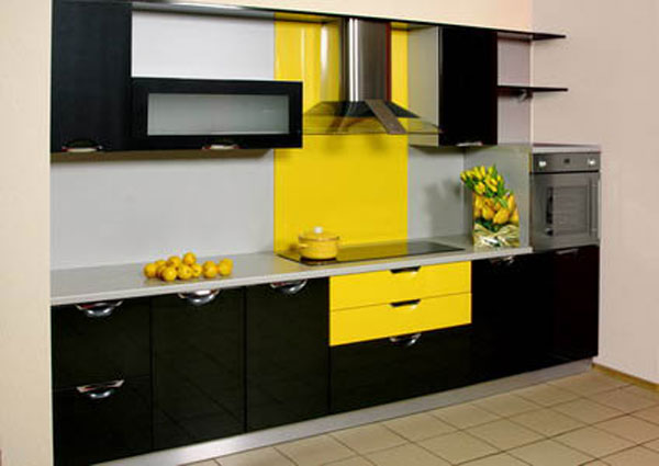 Кухня черно-желтая