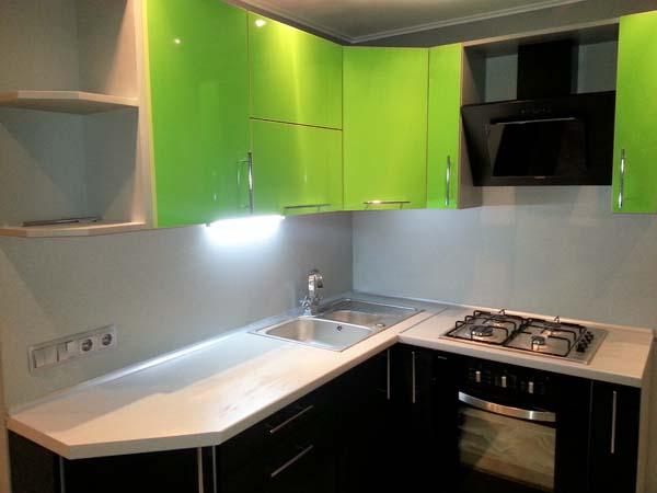 Кухня двухцветная современная