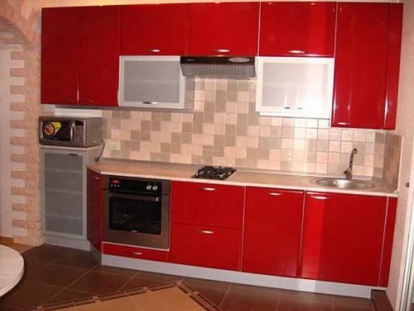 Кухня глянцевая красного цвета