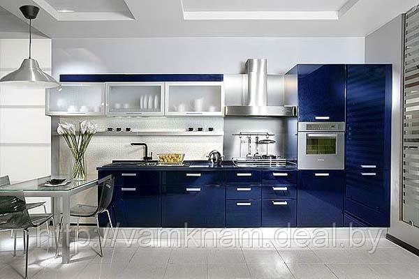 Кухня глянцевая синяя