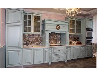 Кухня из массива голубая
