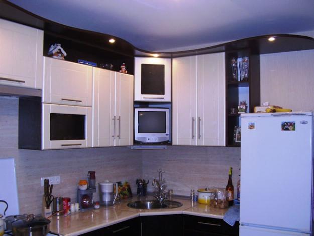 Кухня классическая черно-белая