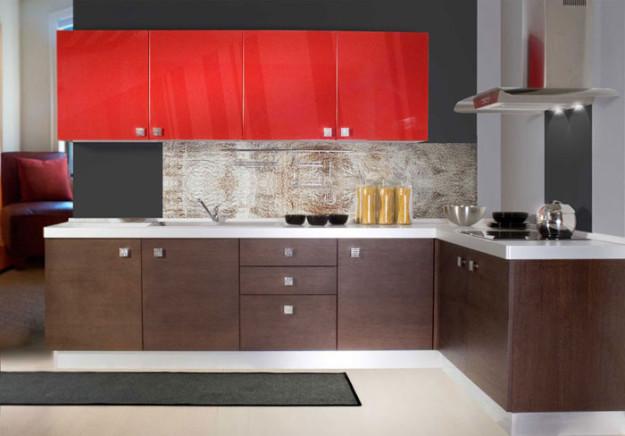 Кухня комбинированная с белой столешницей
