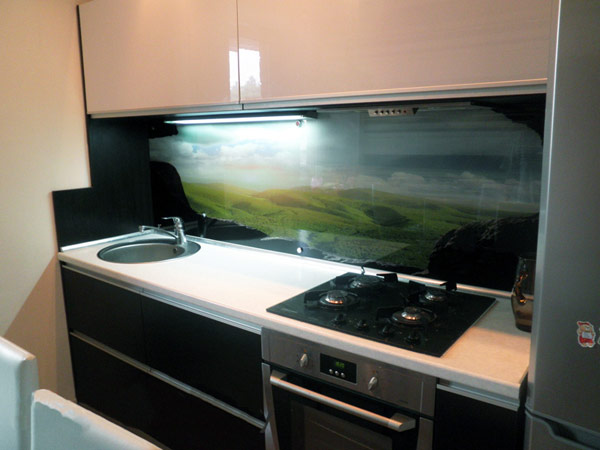 Кухня компактная с подсветкой