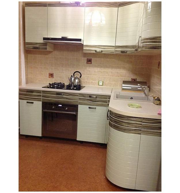 Кухня компактная светлая