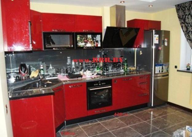 Кухня красная из крашеного МДФ