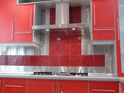 Кухня красная из пластика