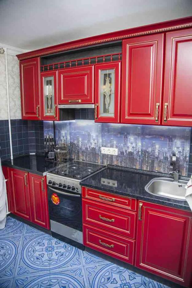 Кухня красная «Париж»