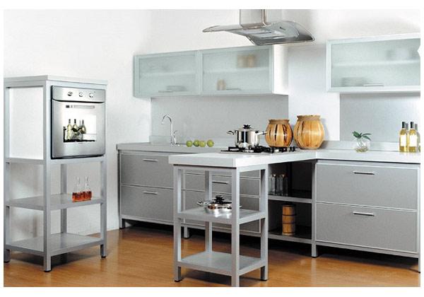 Кухня лаконичная светлая