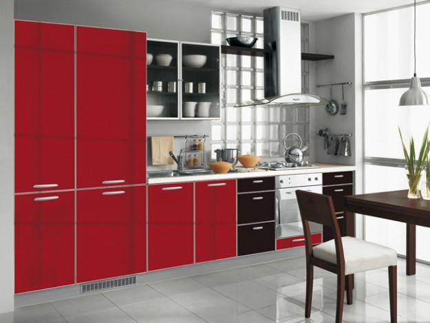 Кухня линейная красно-черная