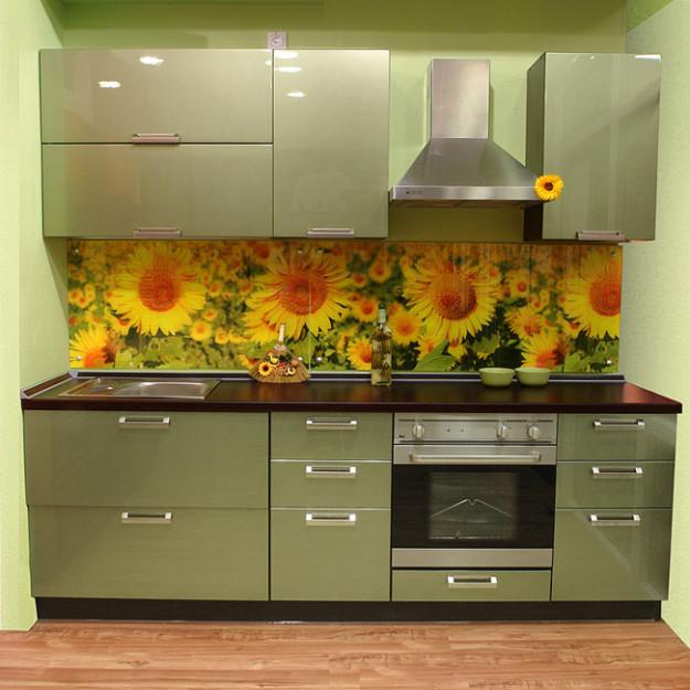 Кухня линейная оливковая