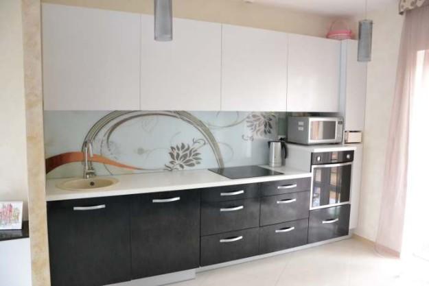 Кухня линейная с фотопечатью