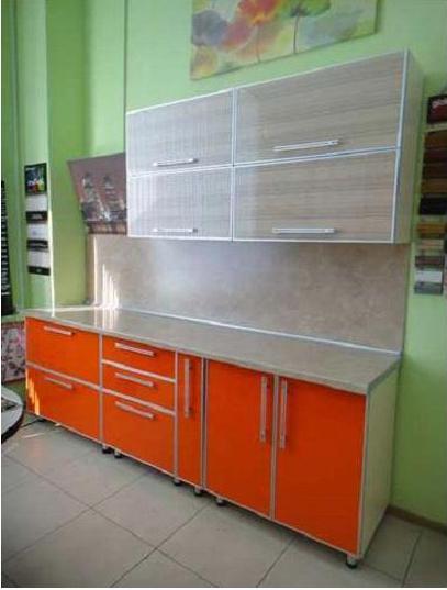 Кухня линейная с компактными габаритами