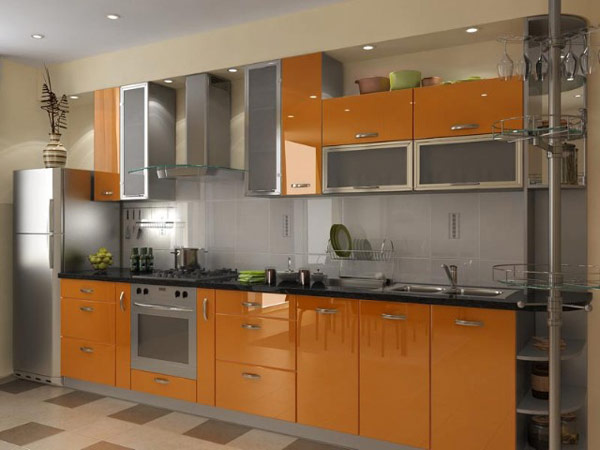 Кухня линейная с оранжевым фасадом