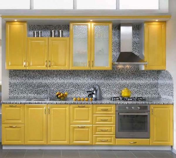 Кухня линейная желтая
