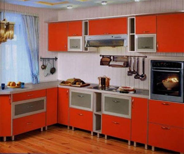 Кухня оранжевого цвета угловая