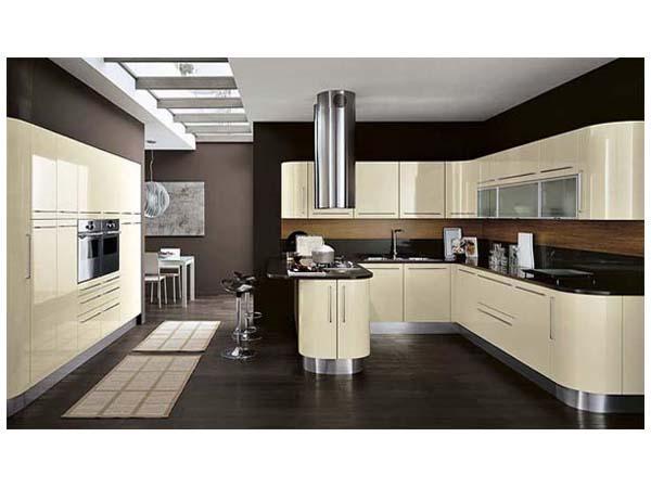 Кухня П-образная жемчужного цвета