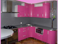 Кухня розовая из пластика