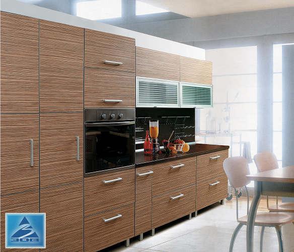 Кухня с фасадом «Дуб полосатый»
