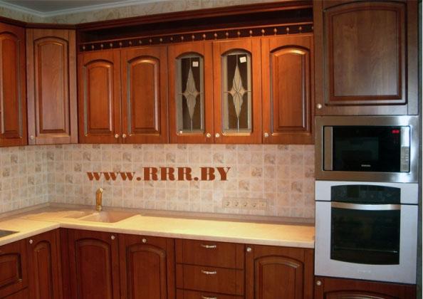 Кухня с патинированными фасадами