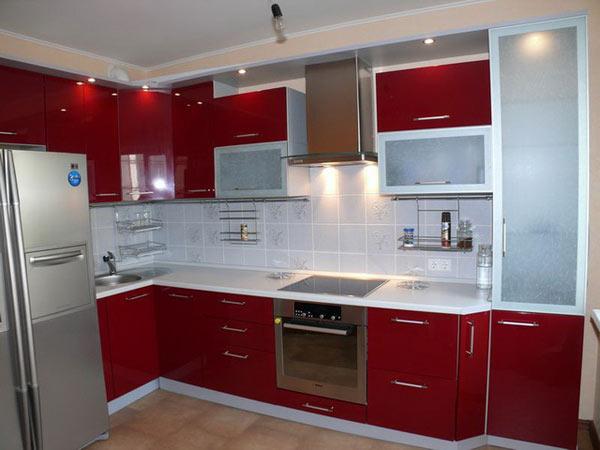 Кухня современная красная с подсветкой