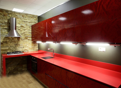 Кухня стильная в красном цвете