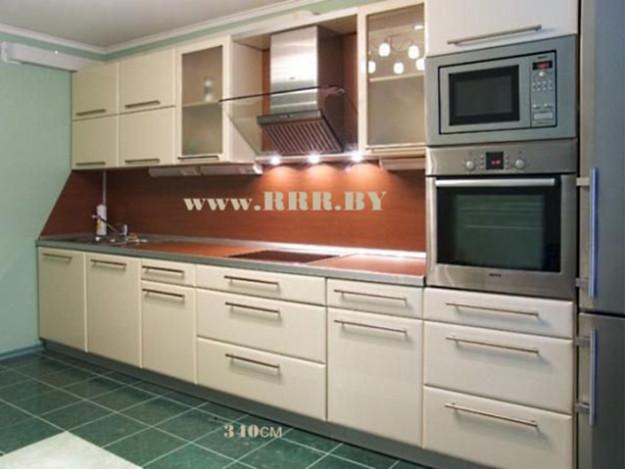 Кухня светлая линейная