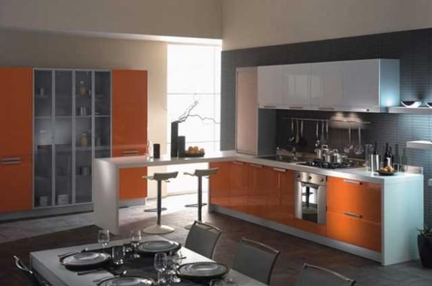 Кухня угловая бело-оранжевая