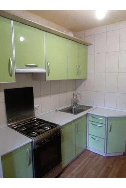 Кухня угловая бледно-салатовая