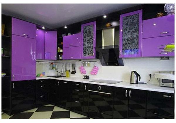 Кухня угловая черно-фиолетовая