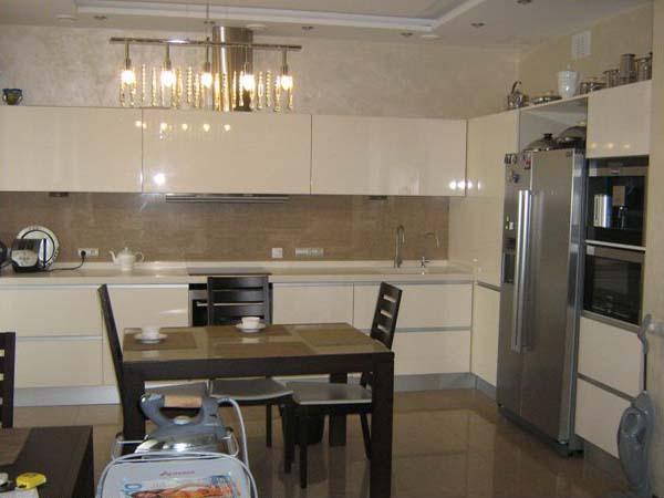 Кухня угловая глянцевая