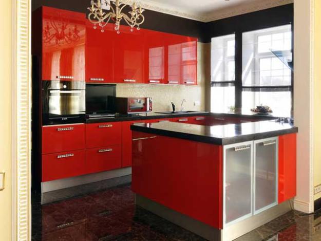 Кухня угловая глянцевая красного цвета