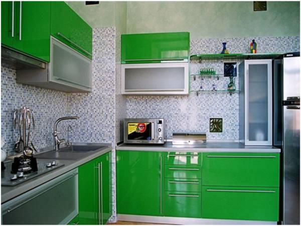 Кухня угловая из итальянского пластика
