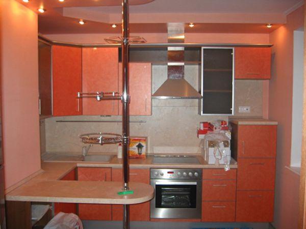 Кухня угловая коралловая с подсветкой