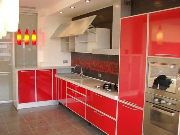 Кухня угловая красная крашеная