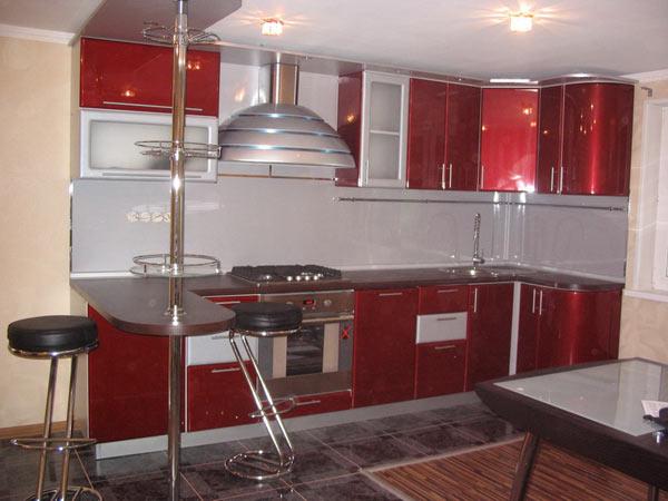 Кухня угловая красная с барной стойкой
