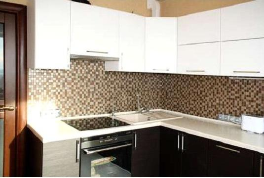 Кухня угловая минималистичная