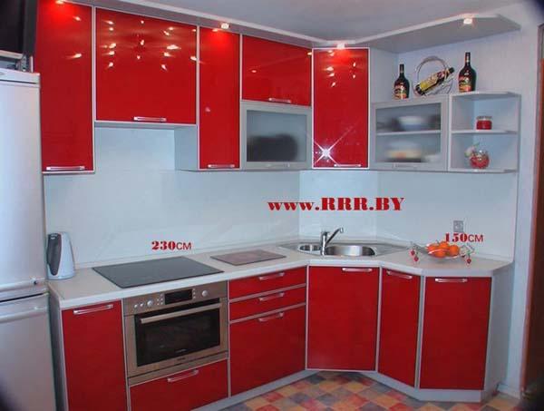 Кухня угловая с диагональными элементами