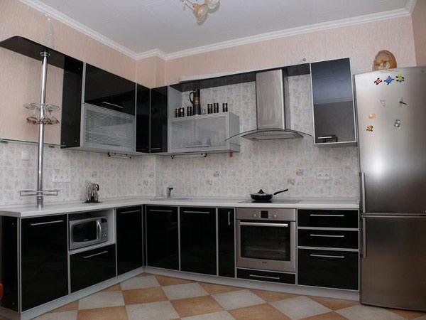 Кухня угловая с фасадом черный глянец