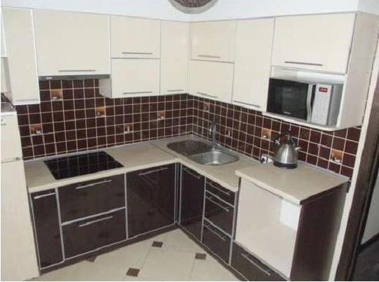 Кухня угловая с глянцевым покрытием